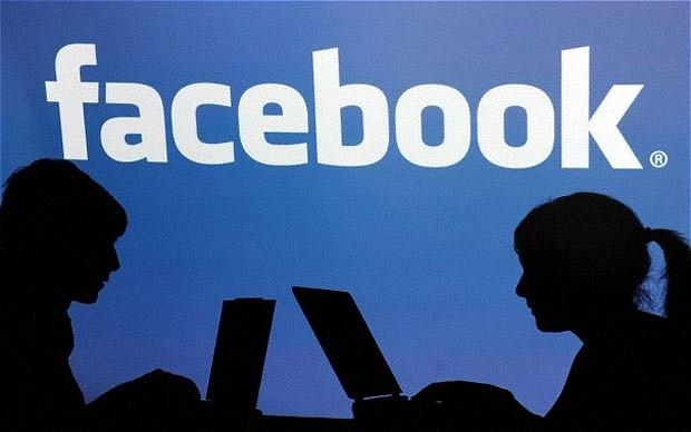 Facebook battles to banish news feed...