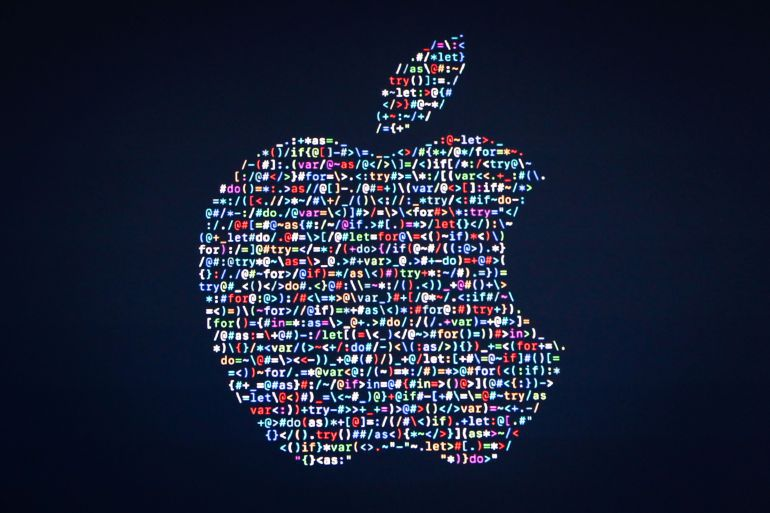 Serious security holes shake Apple again